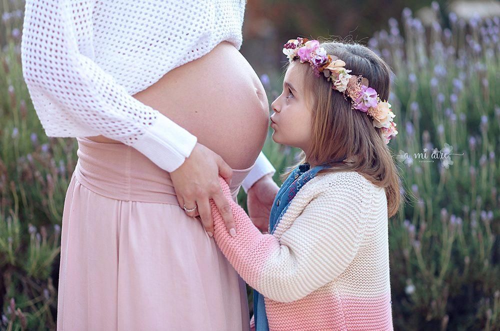 sesión embarazo con hermanos Cartagena